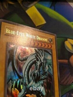 Blue-Eyes White Dragon LOB-001 Ultra Rare NM Vintage Yugioh