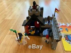 Lego 10000 Guarded Inn Legend Reissue of 6067 ULTRA RARE -100%