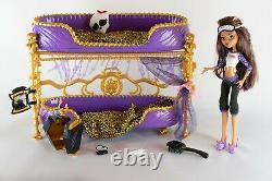 Monster High Room To Howl Bunk Bed & Dead Tired Clawdeen Wolf Playset 2011
