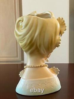 ULTRA RARE Vintage Lady Head Vase Pearl Daisy Flowers White Dress Japan 8-1/4