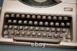 Vintage 1953 Gossen Tippa Ultra Flat Portable Rare East German Typewriter + Case