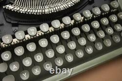 Vintage 1954 Groma Gromina Ultra Flat Rare East German laptop typewriter +Case