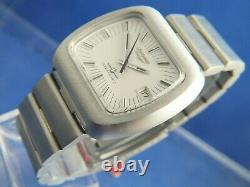 Vintage Longines Ultra-Quartz Watch 1970s Extremely RARE Electronic New Old NOS